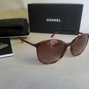 Chanel sunglasses authentic 5278 c1295/s5